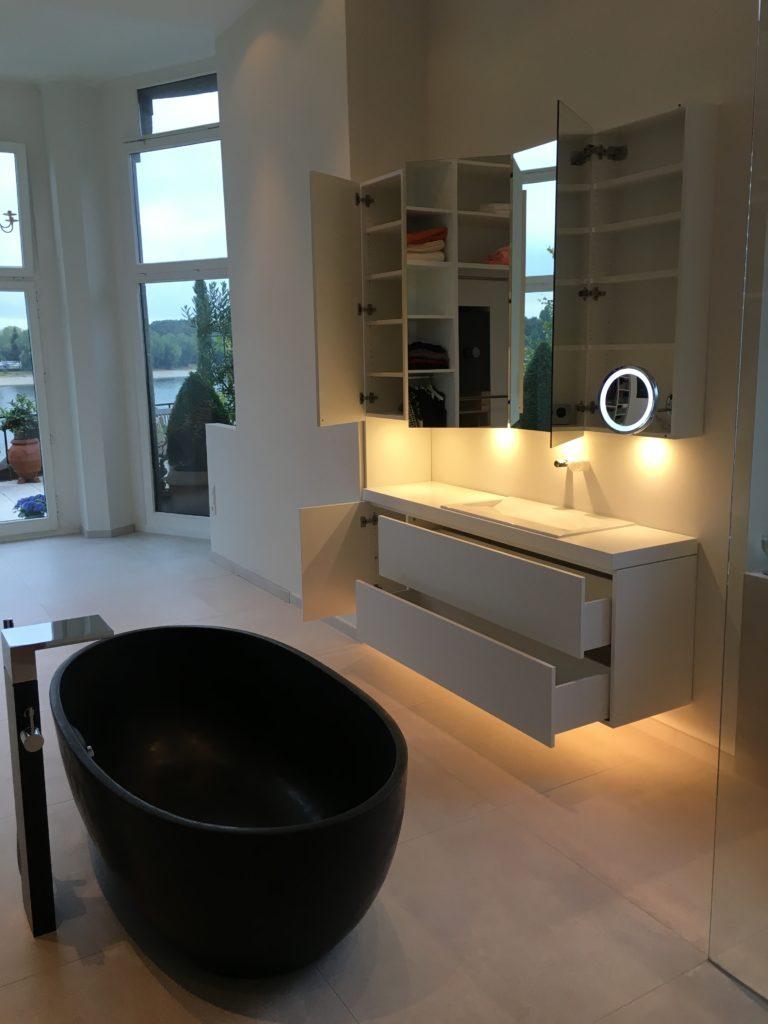 Möbelbau für Büro, Bad, Küche, Wohnzimmer uvm. - Tischlerei Röttgen