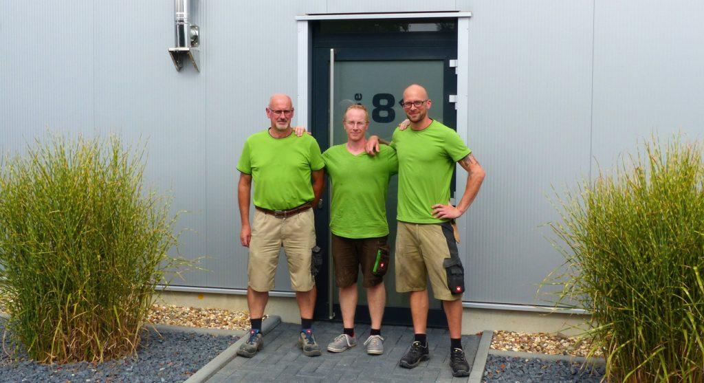 Das Foto zeigt das Team der Tischlerei Röttgen.
